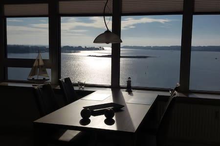 """Maritimes Apartment """"Ostseefjord-Schlei-Blick"""" - Schleswig - 아파트"""