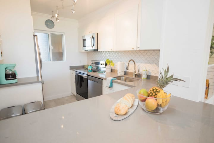 The condo is located in the oceanfront Menehune Shores complex.