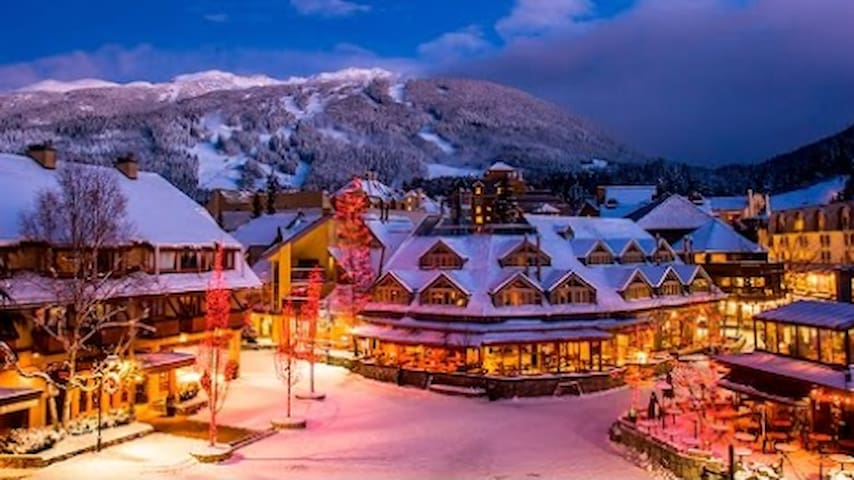 BlackTusk Suite 403 Style in the Heart of Whistler