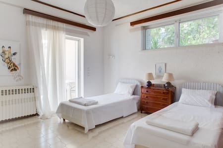 Dreamy sea view villa just 50min away from Athens - Plaka Dilesi - House