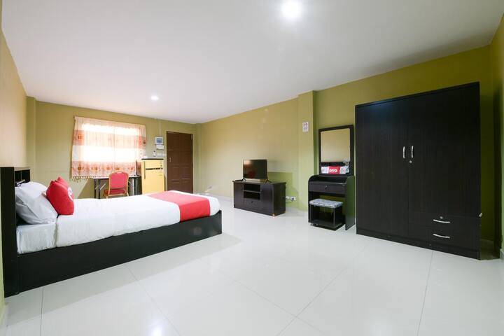 OYO Season 5 Residence / Monthly Room