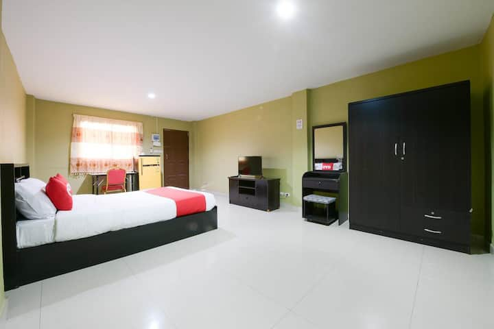 OYO Season 5 Residence / Monthly Room