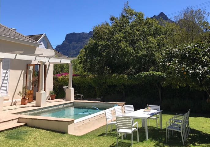 Leafy suburban feel close to city - Cape Town - Dom