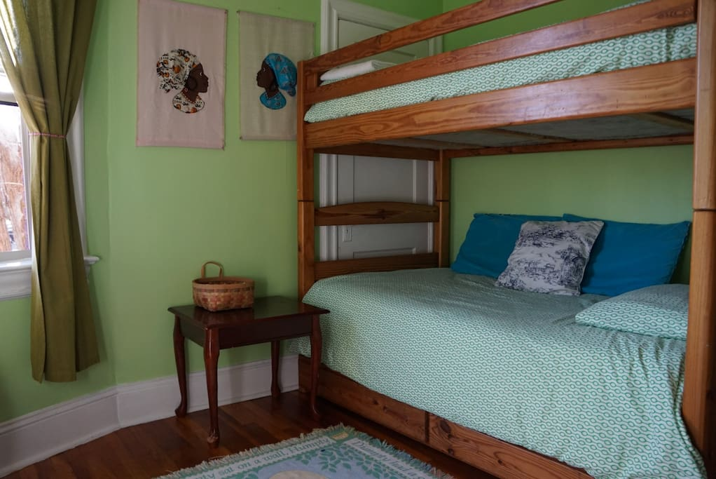 Twin beds with comfortable mattresses