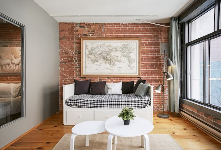 Industrial-Chic Loft Living in Old Montreal