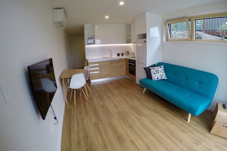 Modern & Energy Efficient Studio - Queenstown - Apartmen