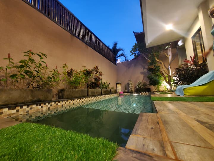 """""""Real gem!"""" villa with pool"""