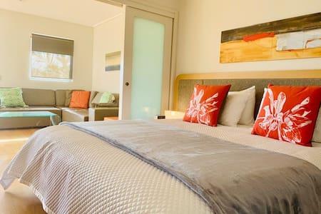 Exquisite Salt Resort Spa Unit-Hinterland Views!