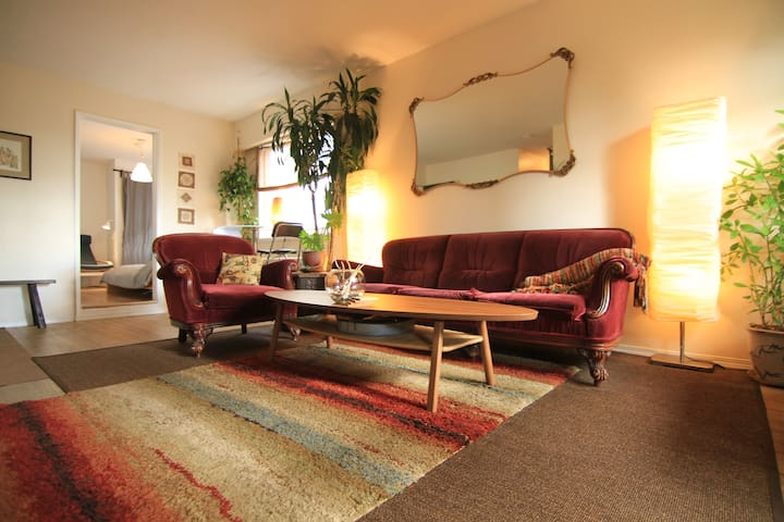 Prime Downtown Location - Urban Oasis with Parking