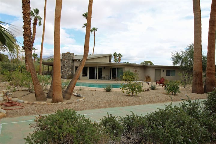 Luxurious Midcentury Home, Private Pool at DeAnza - Borrego Springs - Casa