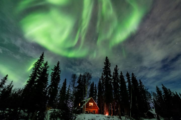 Riverside cabin w wildlife & aurora - North Pole - Casa