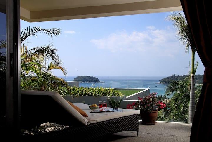 Luxury sea view 2 bedroom large apartment