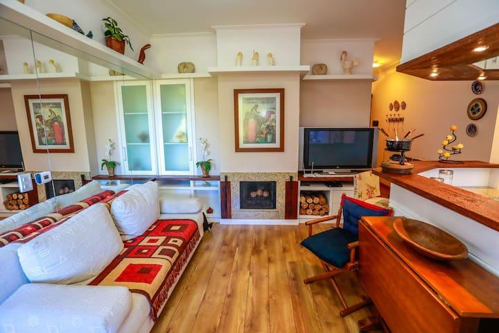 Apartamento em Condomínio Central Knorrville