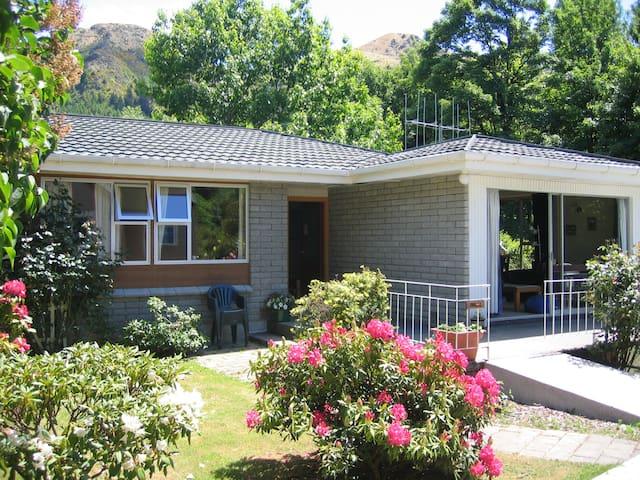 Poplar Lodge - seven bedrooms! - แอร์โรว์ทาวน์