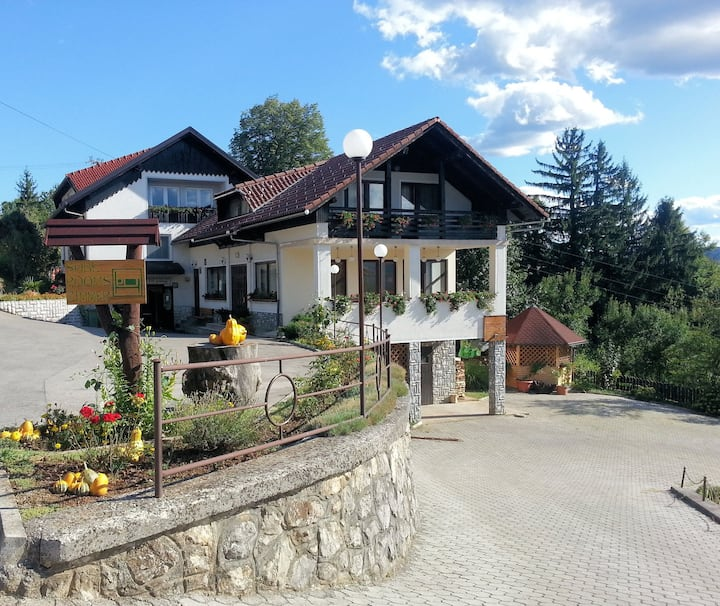 Frankovič B&B 3-room apartment w/AC♡Vinica border