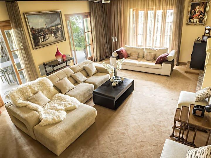 Luxurious Villa in Marbella Hill Club - Selena by Rafleys, Private Pool, Aircon