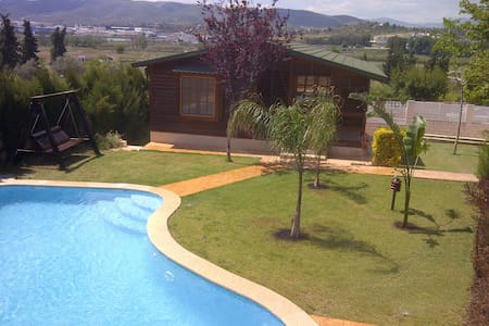 sun all year - ideal for holidays with children - Chalet