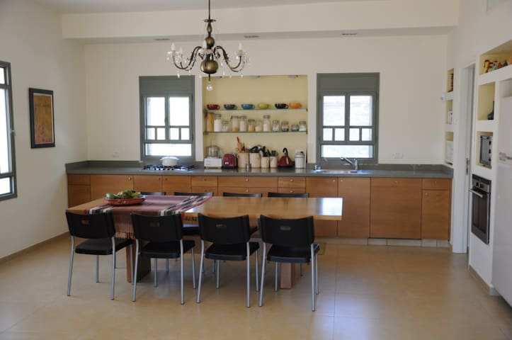 Beutiful House Centrally Located  - Binyamina-Giv'at Ada - House
