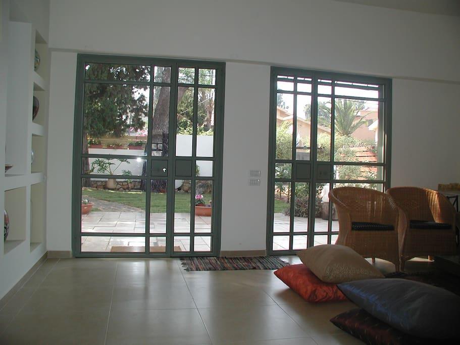 livingroom and garden