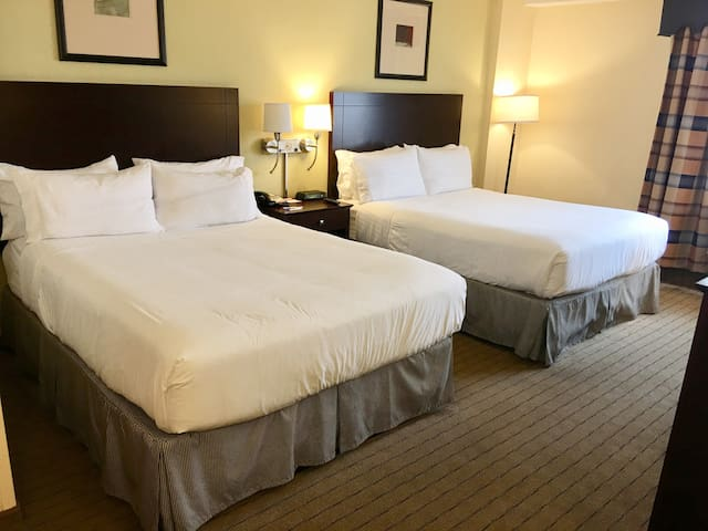 Room with FREE breakfast and parking
