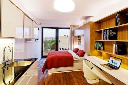 Living showroom, park view  - Brno - Loteng