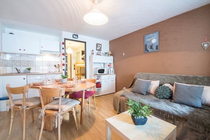 LOCATION APPARTEMENT SAINT LARY SOULAN/ STUDIO COIN NUIT / 4 PERSONNES
