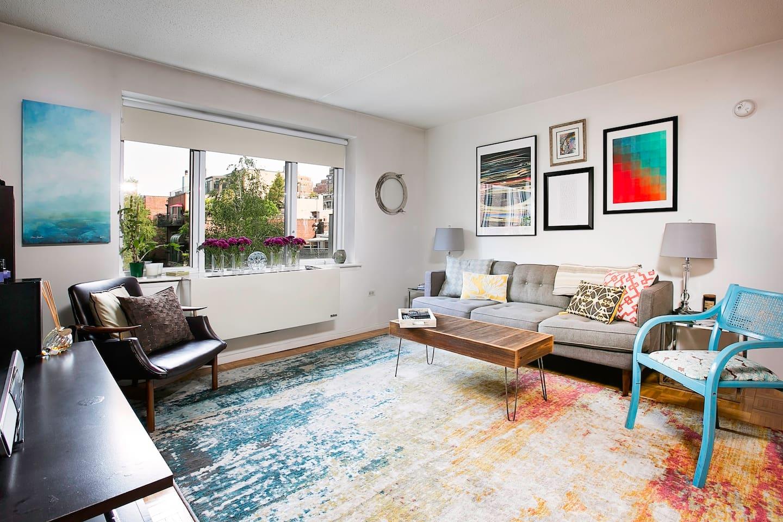 Open concept living room / kitchen