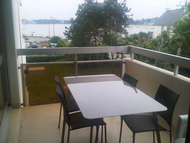 Appartement T2, 41 m², 150m plage, vue mer, garage