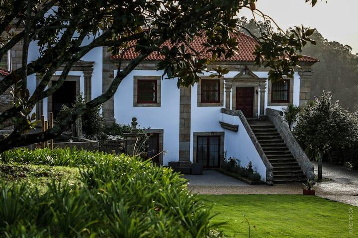 Solar Douro Miragaia Casa completa