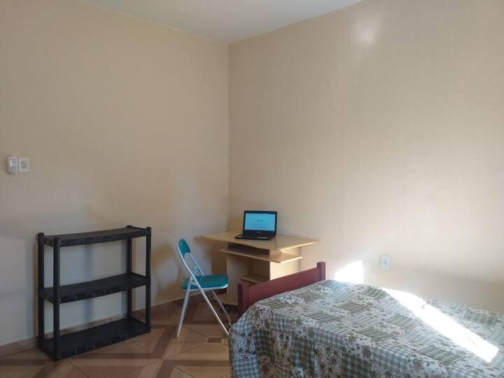 Quarto em residência p até 2 pessoas Barão Geraldo