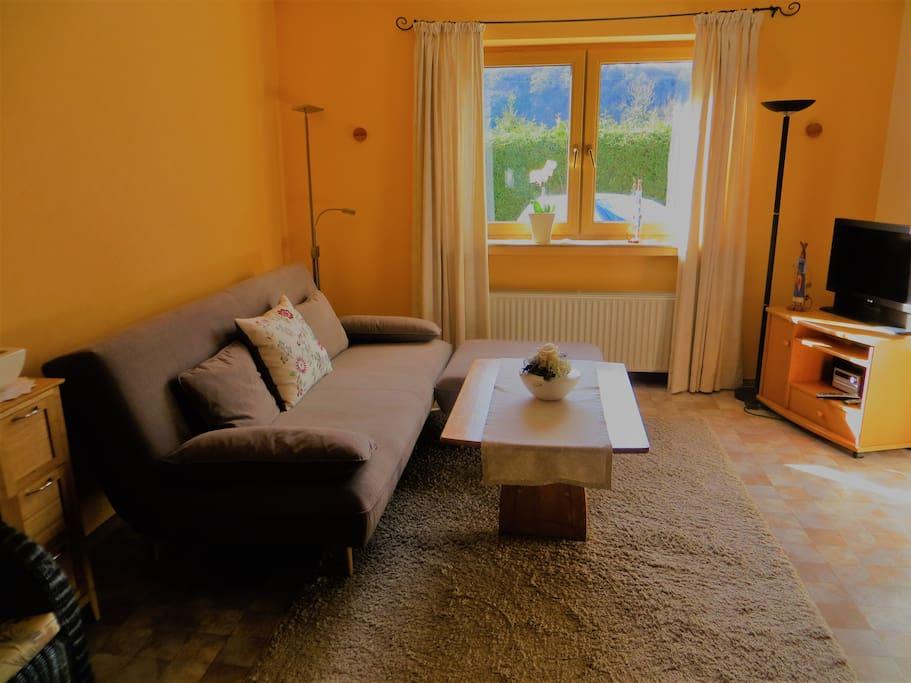 4 sterne zwei zimmer appartement wagner wohnungen zur. Black Bedroom Furniture Sets. Home Design Ideas