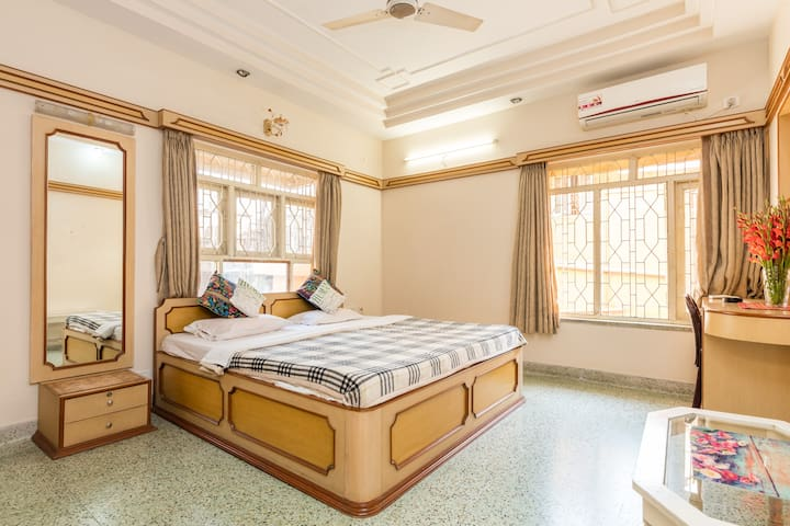 Basic | Clean | En-Suite | Homely - Kolkata - Bed & Breakfast