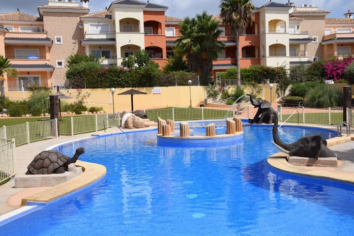 2 Bed Apartment near Murcia with golf course