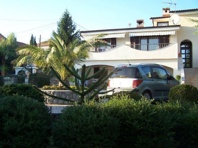 Apartment ,, Dvori ,,