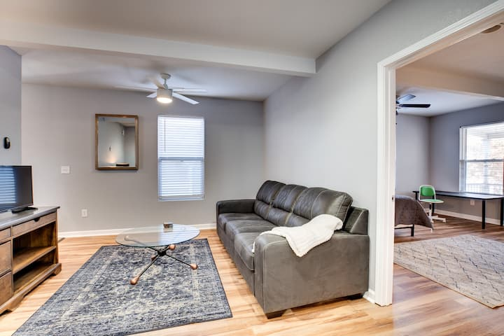 COLUMBUS PARK| COZY & PRIVATE DOWNTOWN APARTMENT
