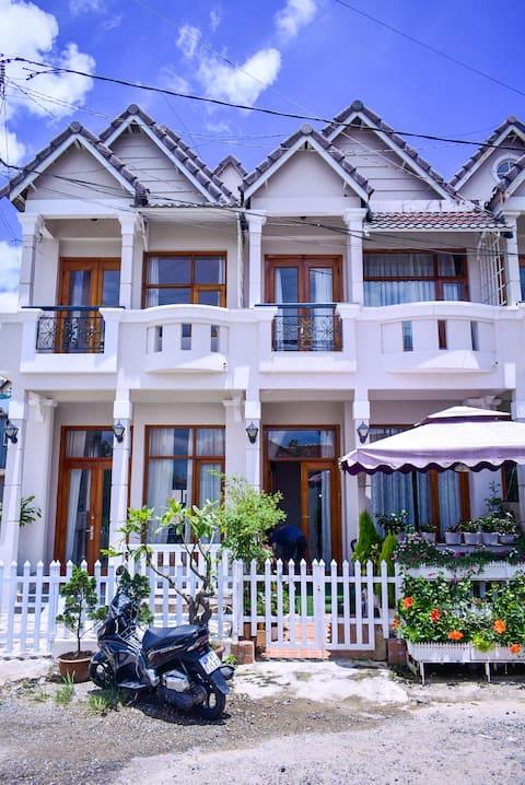 Cozy Italian Vietnamese house