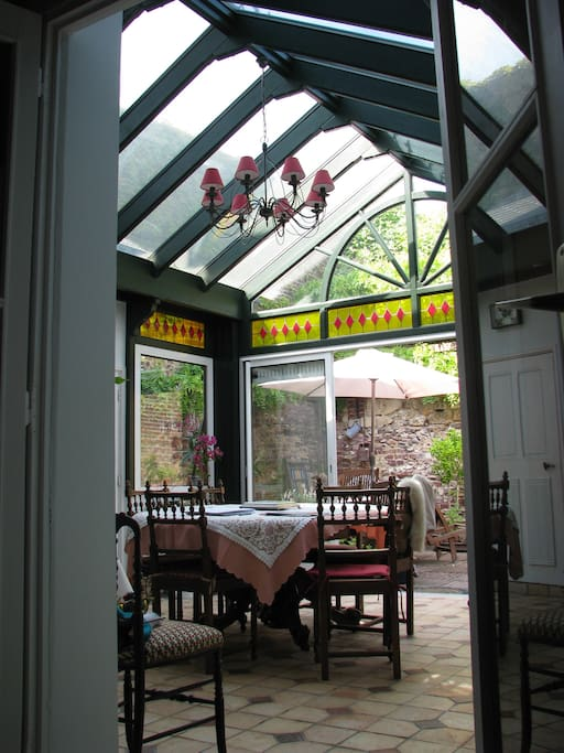 Espace de vie du séjour accessible lors des repas pris en commun