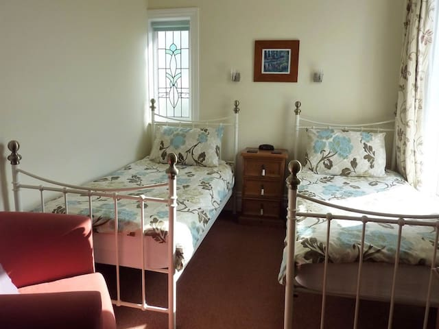 Derrin Guest House B&B - Twin Room