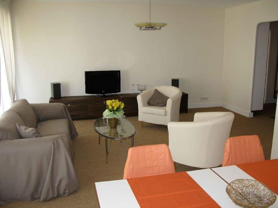 F5 140 m meubl levallois flats for rent in for Donne meuble ile de france