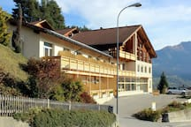 Hotel Miraval, Cumbel -  Aussenansicht Sommer