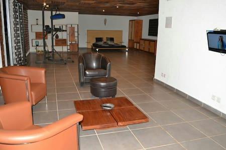 Panorama unique depuis loft modern! - Yaounde