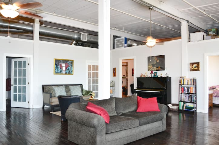 True Warehouse Loft Downtown