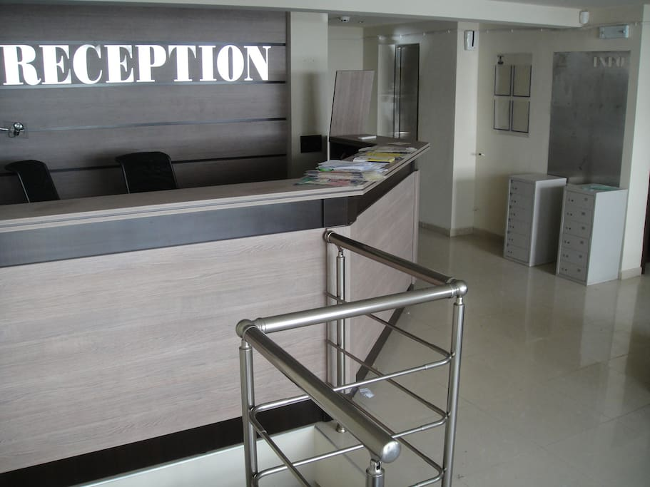 the ex reception, now a future Dentist's offce