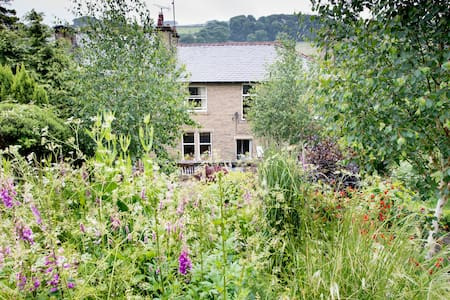 Luddendenfoot -Halifax/Hebden Br. - Luddendenfoot - House