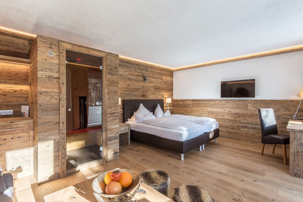 Kitzlodge 42m 1 zimmer suite mit sauna boutique for Boutique hotel tirol