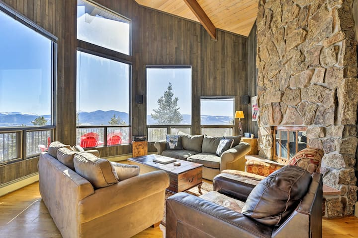 NEW! Panoramic Mountain-View Home w/ Hot Tub+Deck!