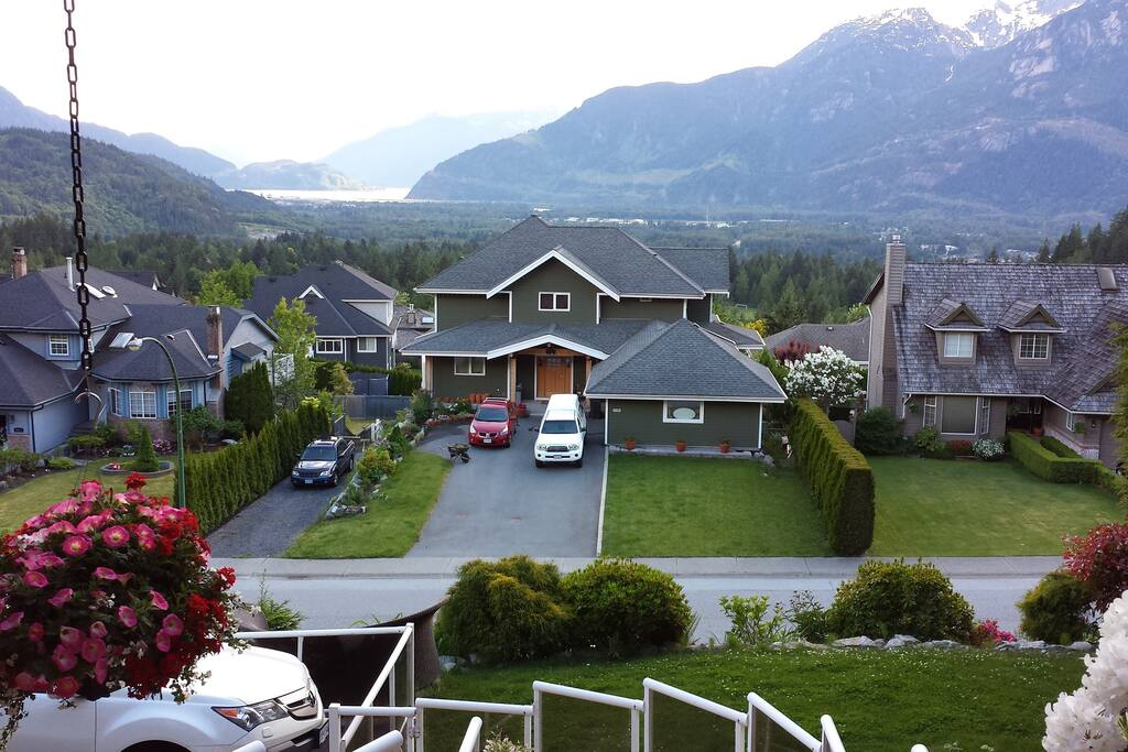 View from Squamish Highlands Bed&Breakfast