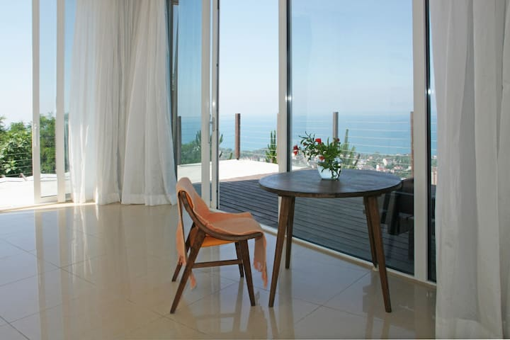 Sea view apartment in Sochi