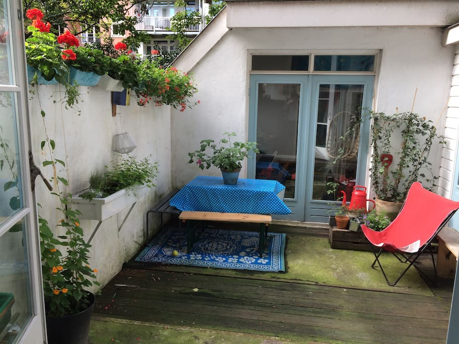 Family house with patio in lively 39 de pijp 39 area maisons for Agrandissement maison zone nh