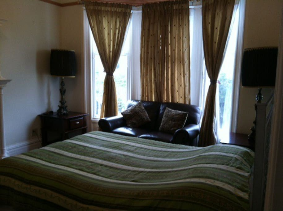 Bed with the Bay windows